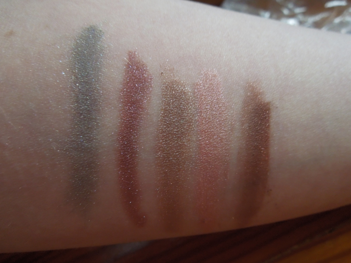 JULY PRODUCT REVIEW: Earthlab Cosmetics & a GIVEAWAY! – WINNERANNOUNCED!