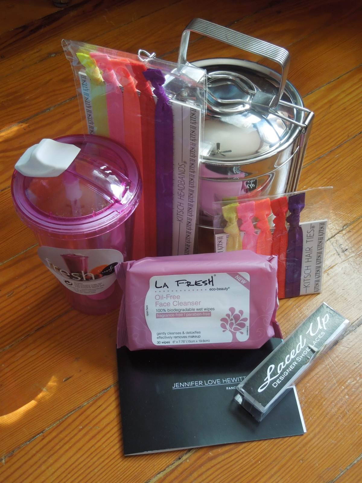 Jennifer Love Hewitt Fancy Box: August 2014