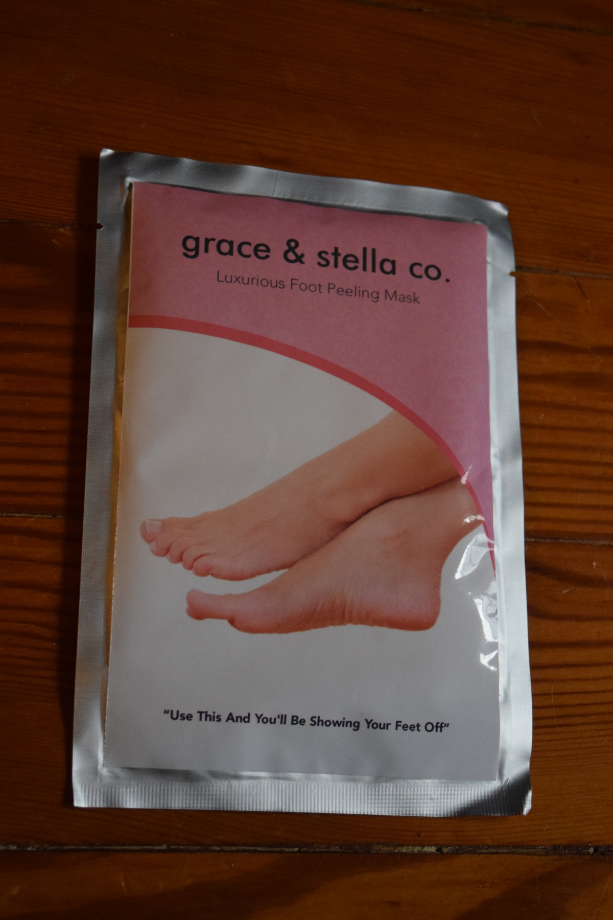 June Product Review: Grace & Stella Co. Luxurious Foot Peeling Mask & 60% OffCoupon