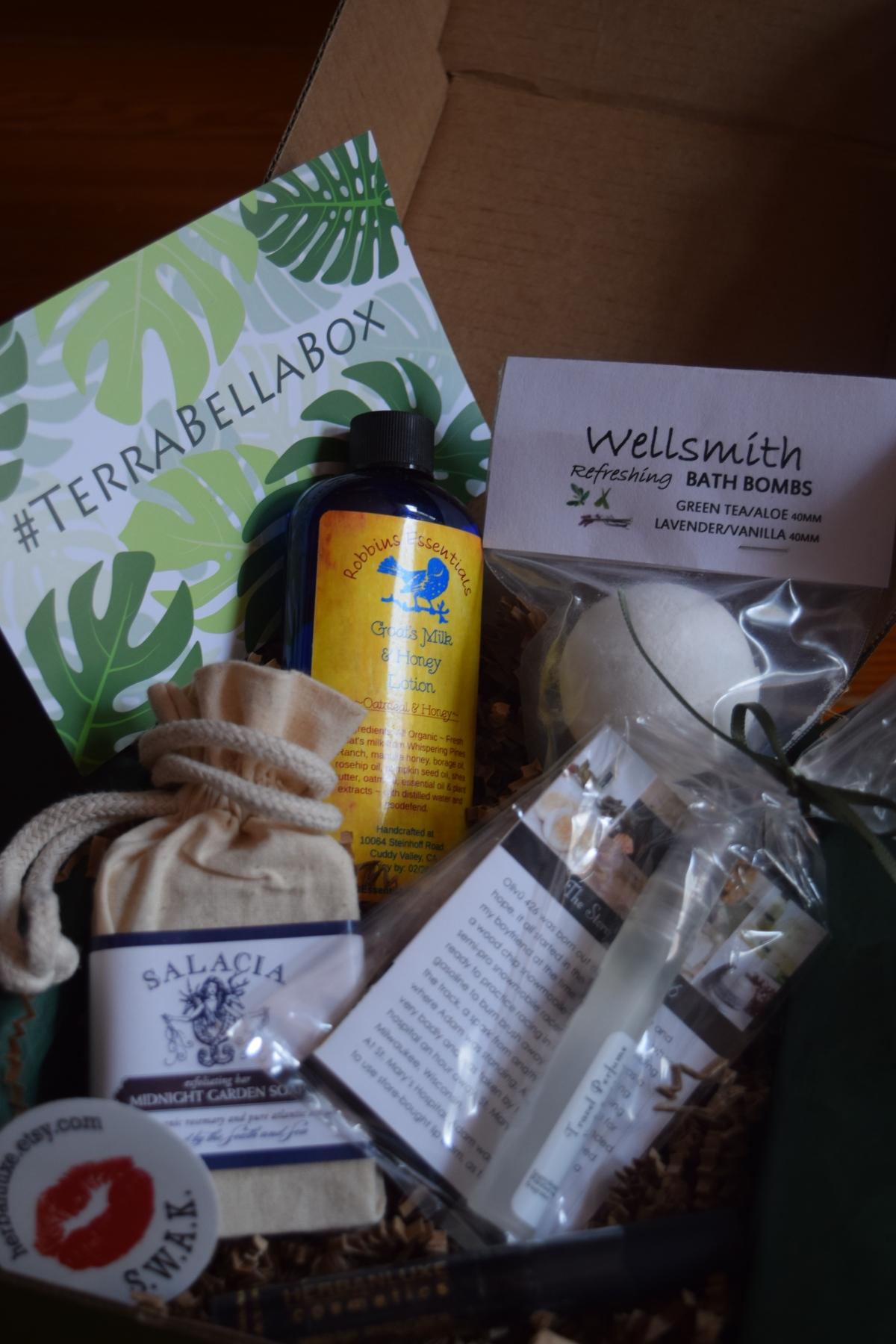 Terra Bella Box: September 2015 & a Lip Trio Giveaway!! & CouponCode