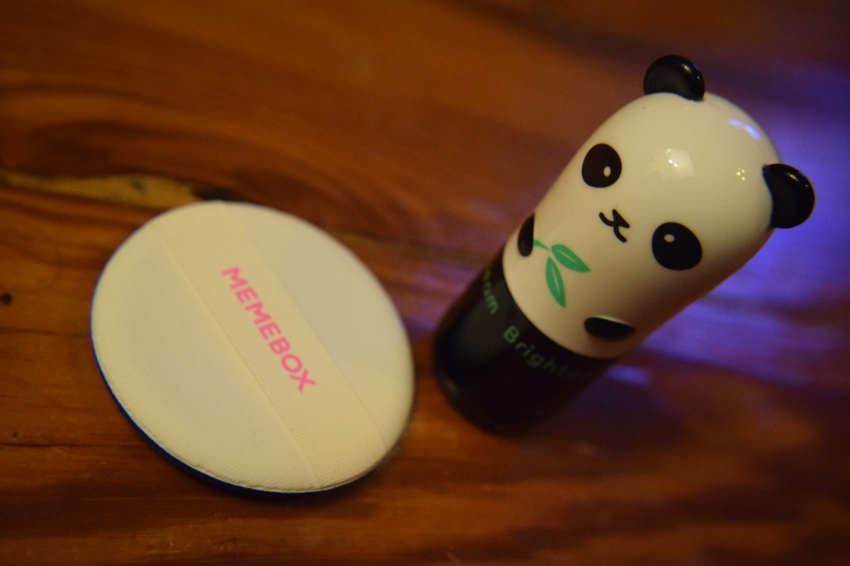 October Product Reviews: Memebox – TONYMOLY Panda's Dream Brightening Eye Base & Memebox Puffs
