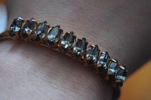Bracelet On