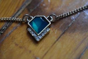 Necklace Close 3
