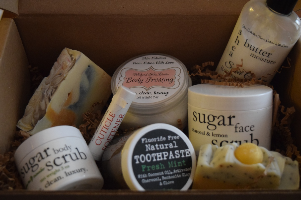 Heaven's Honey Box: May 2016 & 15% Coupon Code!