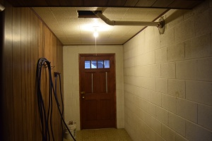 ceiling-pipe-from-far-away